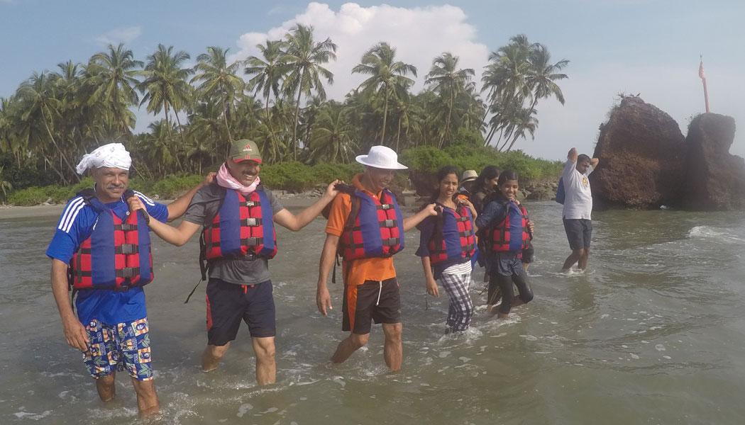 Dharmadom Island Walk